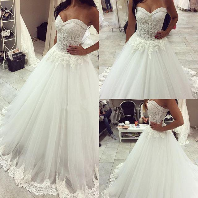 2016 Custom Made Lace Applique Sweetheart Neckline Ball Gown Wedding Dresses Sweep Train Vintage Bridal Gowns Plus Size Organza Vestidos
