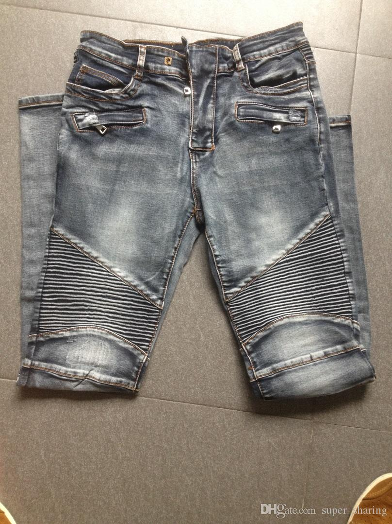Balmain jeans are available in all sorts of luxurious fabrics like waxed cotton, leather and destroyed denim. Most of its pants feature biker-like horizontal piping above the knee, which slims the leg and distinguishes them from most other styles.
