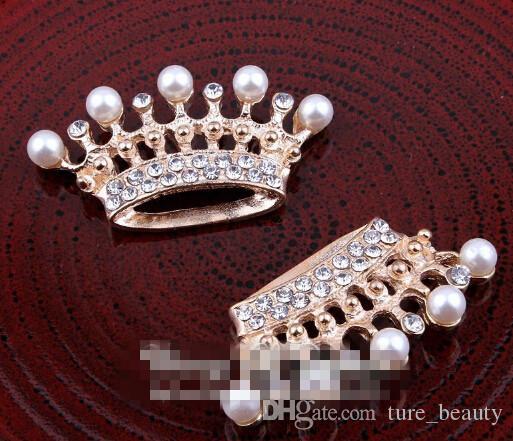 5% di sconto 60 pz / lotto i fatti a mano in metallo trasparente strass perla corona bling lega tiara bottoni abbellimento di nozze