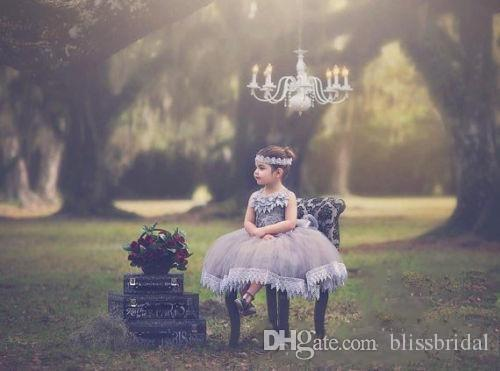 Cinza prata Vestido de Baile Rendas Flor Menina Vestidos Para Casamentos Tule Tutu Crianças Pageant Vestidos Sem Encosto Camadas Vestidos de Festa