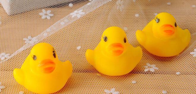 Baby Kids Bath Water Toy Toys Rubber Yellow Ducks Children Swiming Gifts Children`s Swimming Gear
