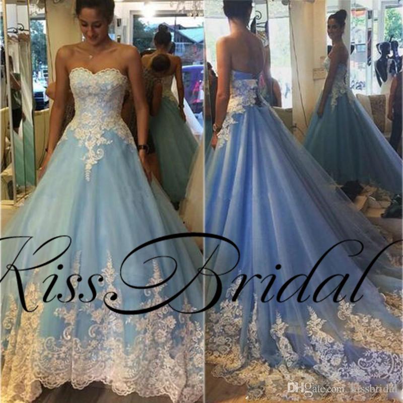 Светло-голубые кружевные свадебные платья Кружевная аппликация без бретелек на шнуровке Sweep Train Красочные свадебные платья