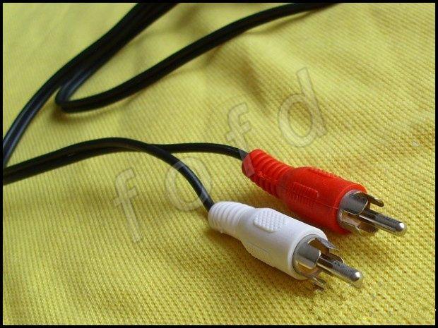 3.5mm à 2 câbles audio AUX RCA mâle à mâle câble audio de voiture stéréo pour MP3 pour téléphone avec 3 / coloré Livraison gratuite