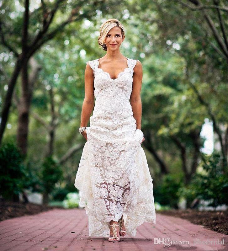 2019 Sexiga Backless Lace Bröllopsklänningar Bohemian Boho Beach Bröllop Klänningar Elfenben A-Line Hollow Chapel Tåg Elegant V Neck Bröllopsklänningar