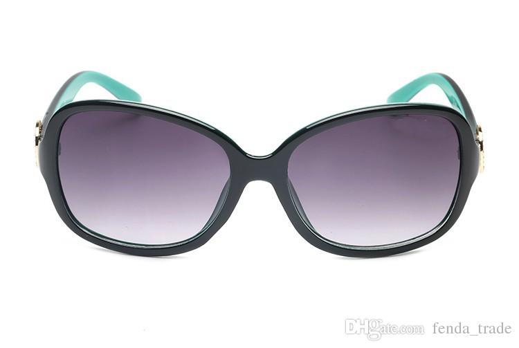 2018 NEUE Mode Frauen Trend Sonnenbrille 8016 UV400 großen Rahmen runden schönen Gesicht Sonnenbrille 6 Farben Qualität A +++ MOQ = 10