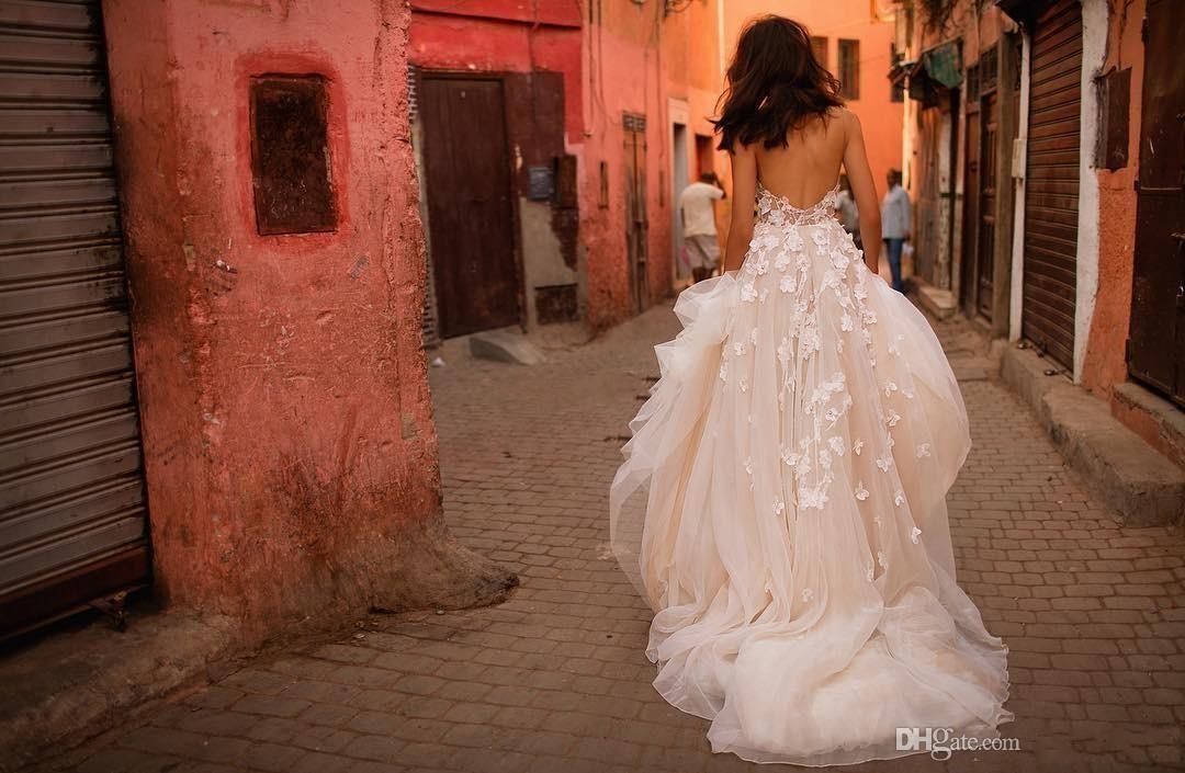 Liz Martinez Beach Wedding Dresses 2018 New V-neck Tiered Skirt Backless Plus Size Elegant Garden Country Toddler Wedding Gowns 445
