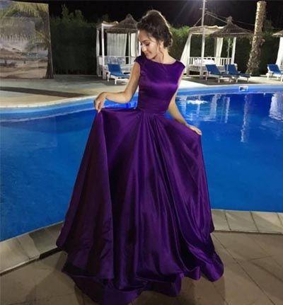 Une ligne bas dos satin robe de soirée robe de bal manches manches décolleté étage longueur robe de bal robe de soirée