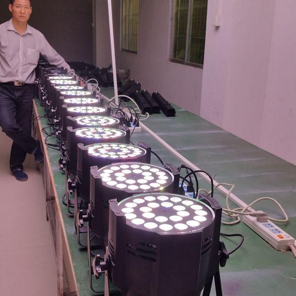 Envío gratis de alta calidad de alta calidad de la etapa 18X18W que enciende RGBAW UV 6in1 LED Par 64 LED Par64 luz