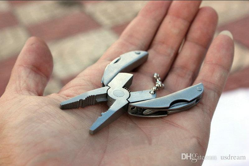 Многофункциональные плоскогубцы Мини Складные щипцы, включая отвертку Filer Нож брелок Наружное оборудование Ручной инструмент Плоскогубцы Черепахи 250020