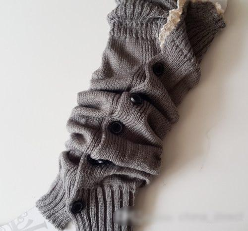 8 Farben reizvolle Häkelarbeit-Knopf-unten Manschetten spitzt Knopf-Borte Knit-Bein-Wärmer-Stiefelsocken-Kniestrümpfe gefroren = /