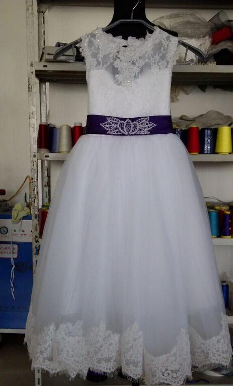 2015 Flower Girl Dresses Real Photos with Keyhole Back and Lace Top and Puffy Princess Skirt