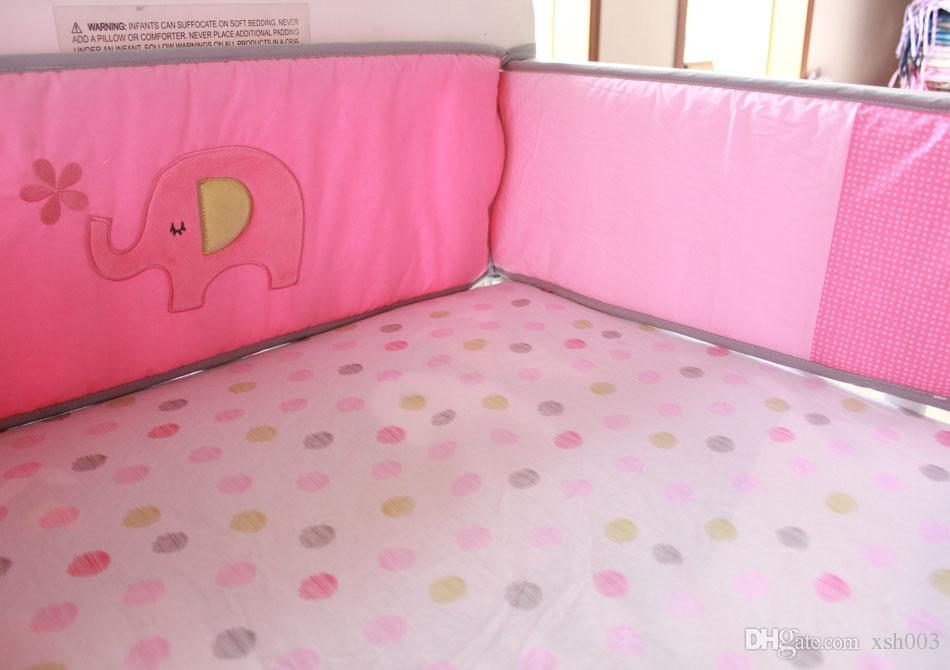 Toptan 2016 7 Adet pembe Bebek kız yatak seti flamingolar beşik% 100% pamuk Nakış ev Beşik yatak seti Yorgan Bedskirt Tampon Karyolası yatak