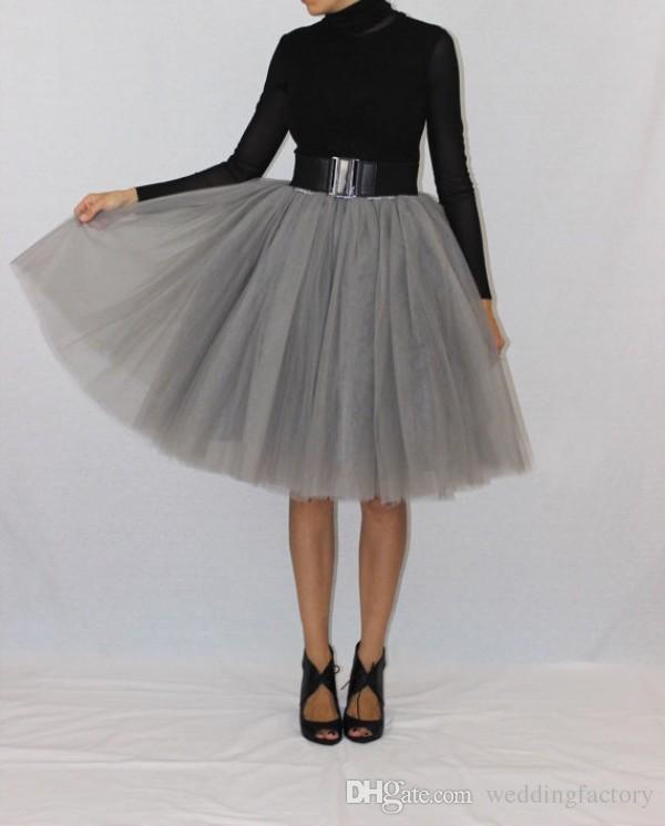 새로운 도착 신부 들러리 Tutu 드레스 실버 그레이 부드러운 얇은 짧은 무릎 길이 흉상 스커트 저렴한 고품질 파티 착용 $ 50