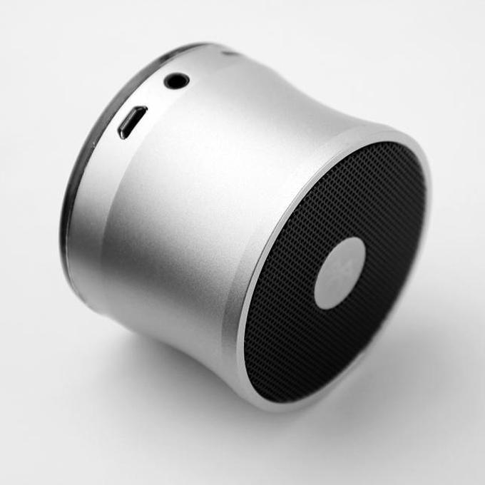 Beste Bluetooth-Lautsprecher EWA A109 Tragbare Lautsprecher Drahtloses Mikrofon Mikrofon Resonanzkörper TF-Kartensteckplatz MP3-Player Freisprecheinrichtung Super Bass