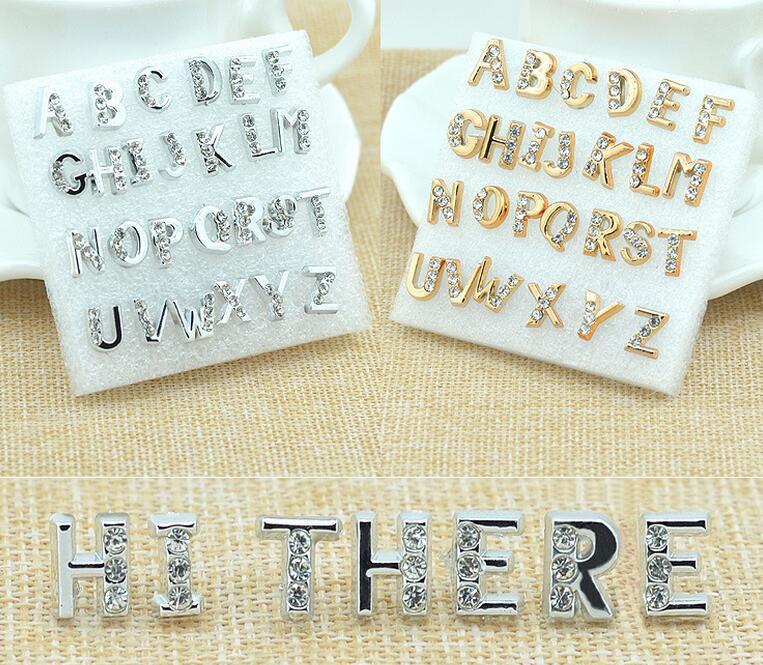 Stud Pendientes para la venta 26 letras de cristal de diamantes de imitación de la joyería de plata de oro 26 caracteres orejas alfabéticas pendientes de uñas pares A A Z Mix