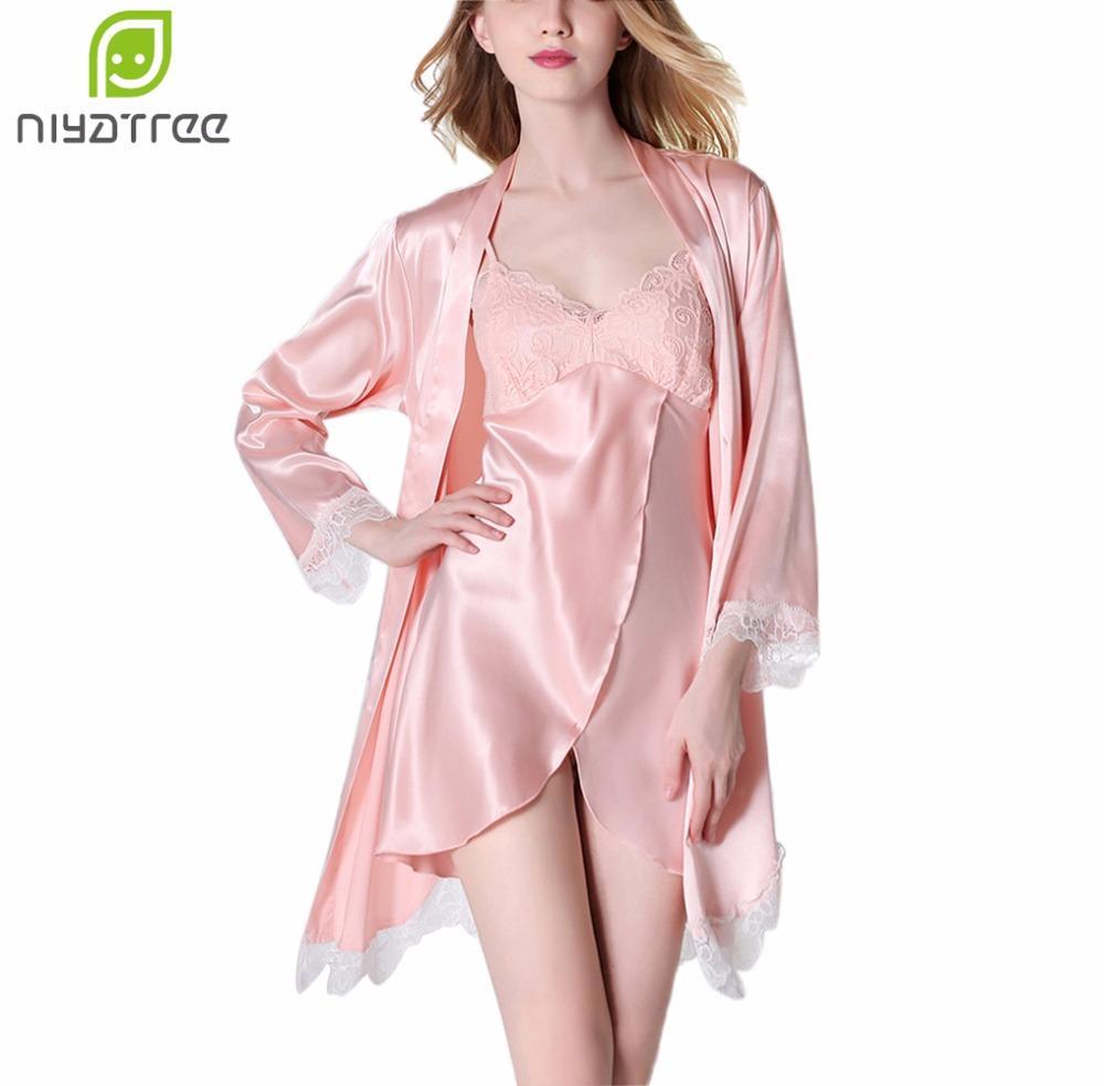 8903fa399 Compre Lingerie De Verão Duas Peças Conjuntos NightgownsSleepshirts Mulheres  Elegantes Cetim De Seda Sólida Sleepwear Mujer Robe Lady Sexy De  Chenhanyang