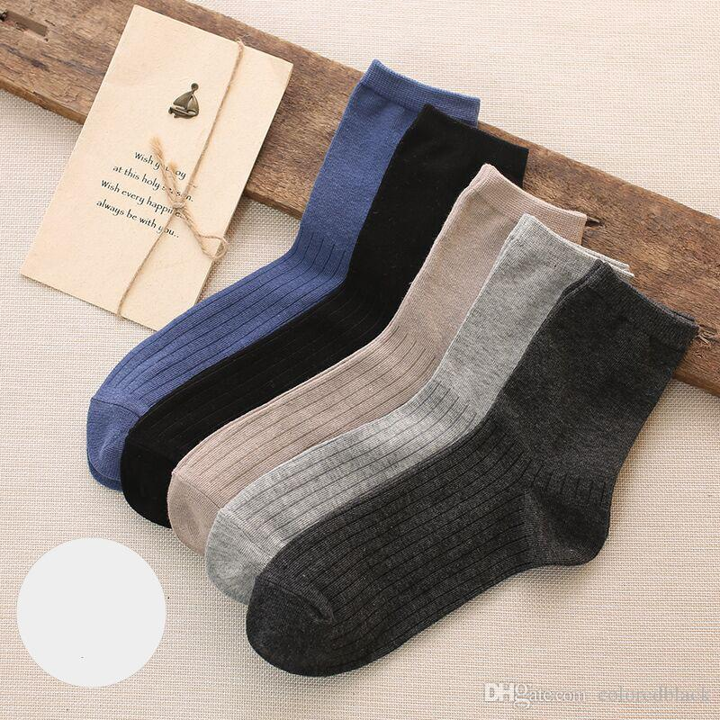 da1be974c014d 2019 Autumn Winter Men Socks Wholesale Best Seller Colorful Socks Casual  High Quality With Cotton Blend Breathable Material From Coloredblack