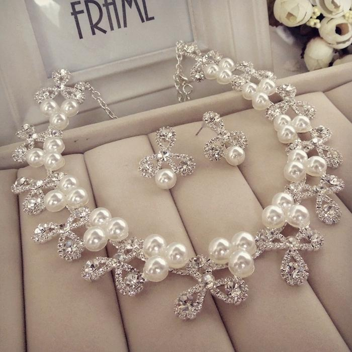 Bridal Jewellery Bracelet and Necklace Pearls 2015 Beaded Rhinestone Shiny Wedding Accessory In Stock Bride Jewelry White Pearls