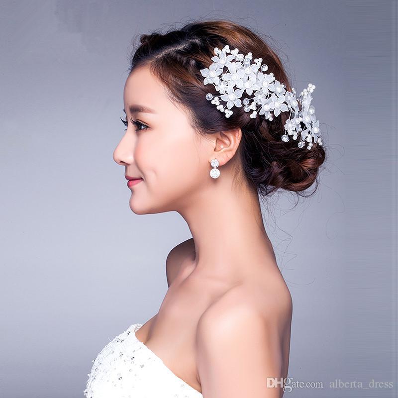 Moda nuziale Diademi Corona In magazzino Accessori capelli da sposa Fancy Pearls Fascinators di fiori scintillanti di cristallo Diademi gioielli da sposa rosso