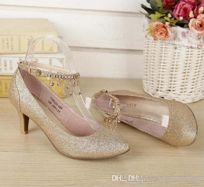 Kırmızı Altın düğün ayakkabı Payetler ile Gelin Ayakkabıları Kitten Topuk Koni Topuk Bling Sequins Kristal Kadınlar Düğün Için Ayakkabı SM25