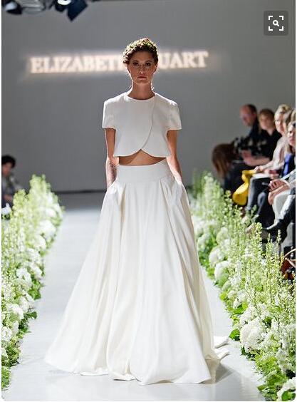 간단한 비치 웨딩 드레스 두 조각 짧은 소매 새틴 쉬폰 신부 드레스 채플 기차를 잘라 보헤미안 웨딩 가운