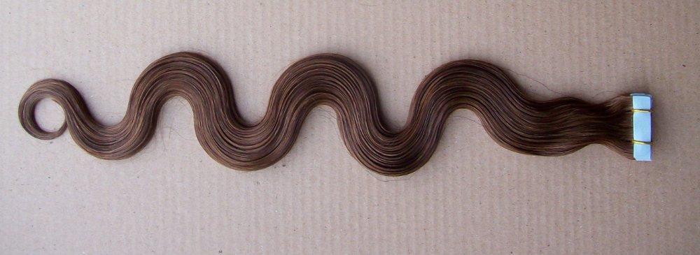 Precio Inferior de Fábrica, cinta brasileña virginal del cabello humano, 4 # marrón medio 2.5g / pcs / pack, extensiones de la cinta del pelo ondulado 100g / pack
