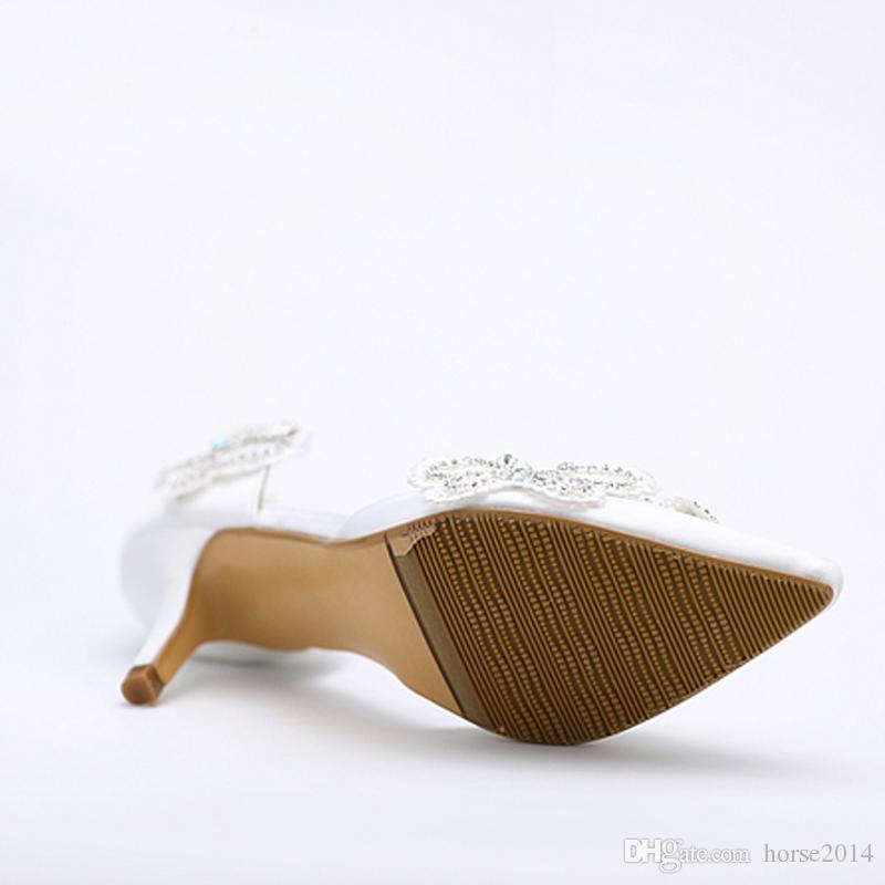 Gatinho De Salto Alto Dedo Apontado Sapatos de Noiva Mulheres Sapatos de Cetim Branco Borboleta Strass Sapatos de Festa de Casamento Mãe dos Sapatos de Noiva