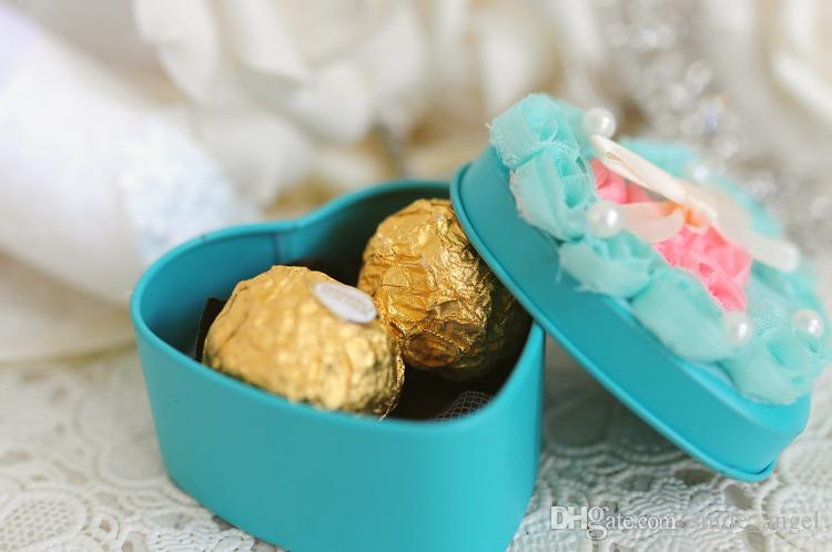 Wedding Favor Boxes New Blue Color Metal with Pink Gauze Rose Flowers Heart-shaped or Round Candy Favors Novelty Party Boxes