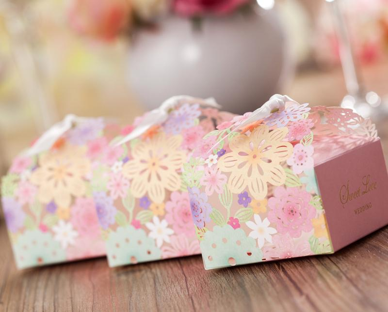 Düğün Iyilik Hediyeler Kutuları Lazer Kesim Iyilik Kağıt Favor Kutuları Çiçek Düğün Parti Şeker Kutusu Düğün Kağıt Lazer Çikolata Hediye kutusu