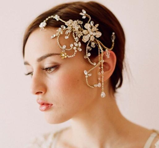 Wedding dress to suit short hair