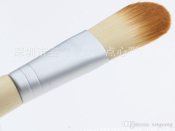 Al por mayor-10pcs cepillo de madera del color solo cosmético mango de madera máscara Blush Foundation Brush