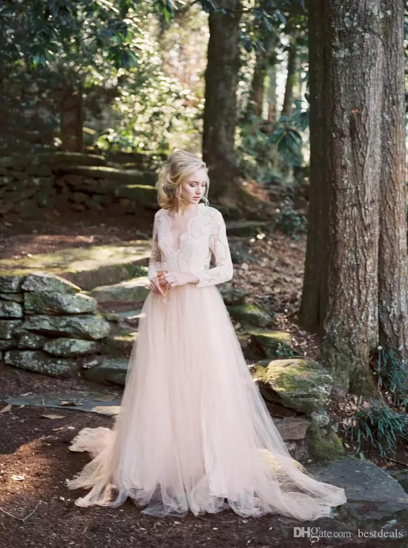 2020 블러쉬 핑크 컨트리 스타일 웨딩 드레스 저렴한 긴 소매 A 라인 얇은 명주 그물 레이스 새해 V 넥 웨딩 드레스를 들어 가든 비치