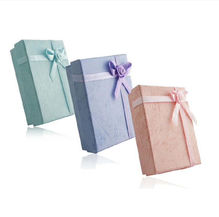 5 * 8 * 2,5cm 5 Färg Mode Display Förpackning Presentkartong Smycken Box, Hänge Box, Örhängen Box Slumpmässig Färg /