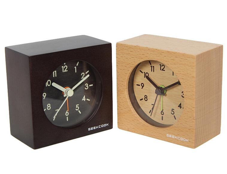 Solid wood clocks mute intelligent small squares