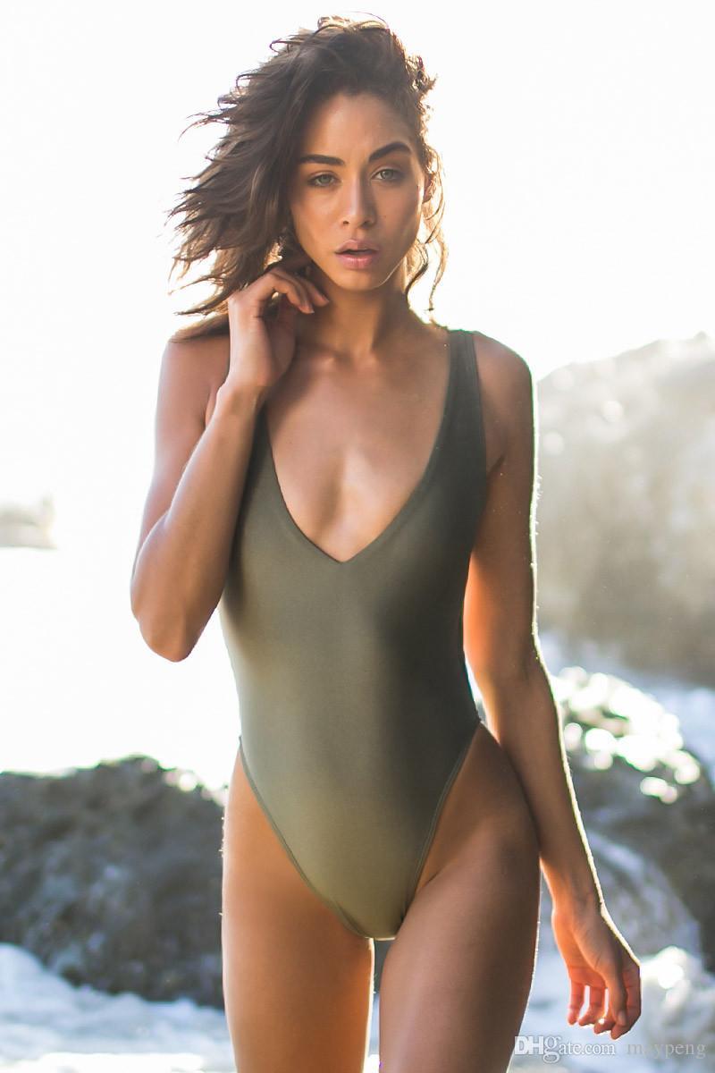 Bathing hot in model naked suite