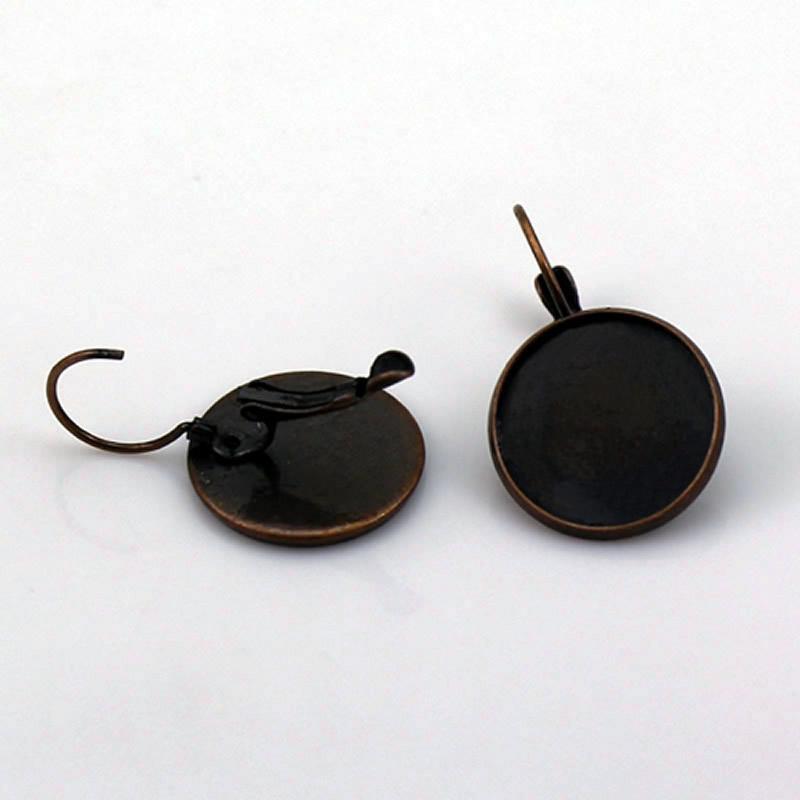 Orecchini Beadsnice in ottone con base a farfalla e orecchini a leva 16mm con taglio rotondo cabochon in ottone bianco con angoli imbalsamati all'ingrosso ID 5907