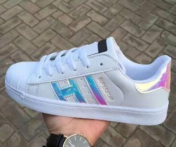pretty nice 6de1d fb8d0 High Quality Fashion Sport Women Casual Shoes Superstar Shoe Lace Up Women  Men Flats Bright Laser Shoes Shoes Online with  19.41 Pair on Wangwang898 s  Store ...