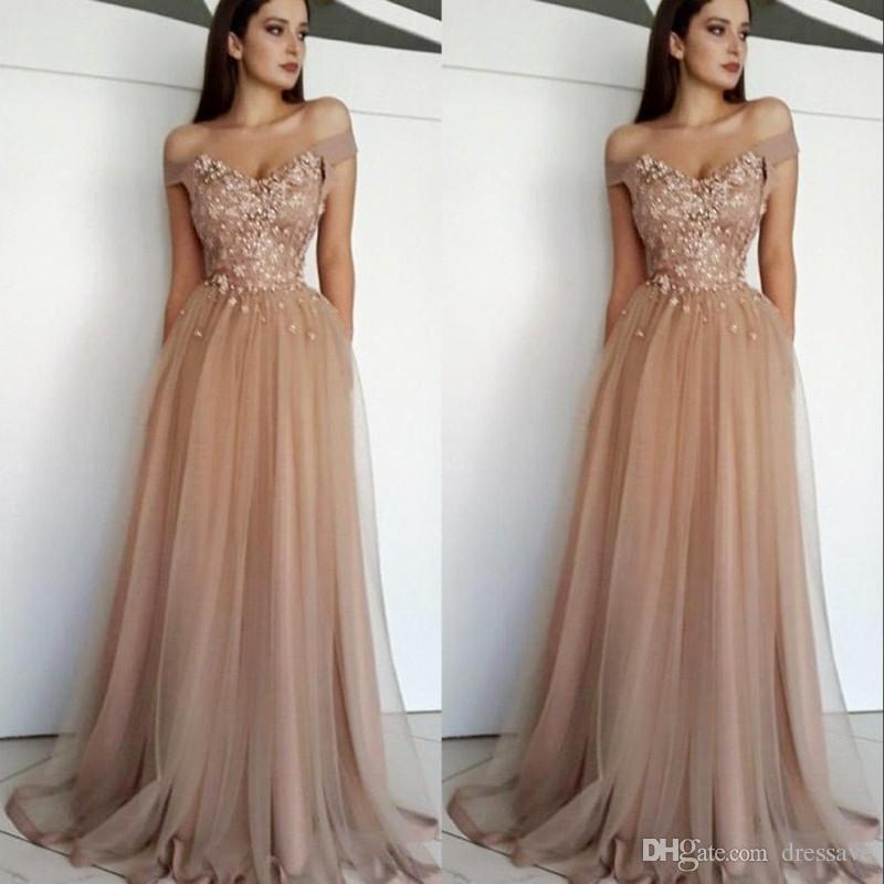 4299fc396 Compre Elegante Champagne Tulle Fuera Del Hombro Vestidos De Fiesta De  Graduación Apliques Perlas Dubai Árabe Vestido De Fiesta De Noche Formal  Por Encargo ...