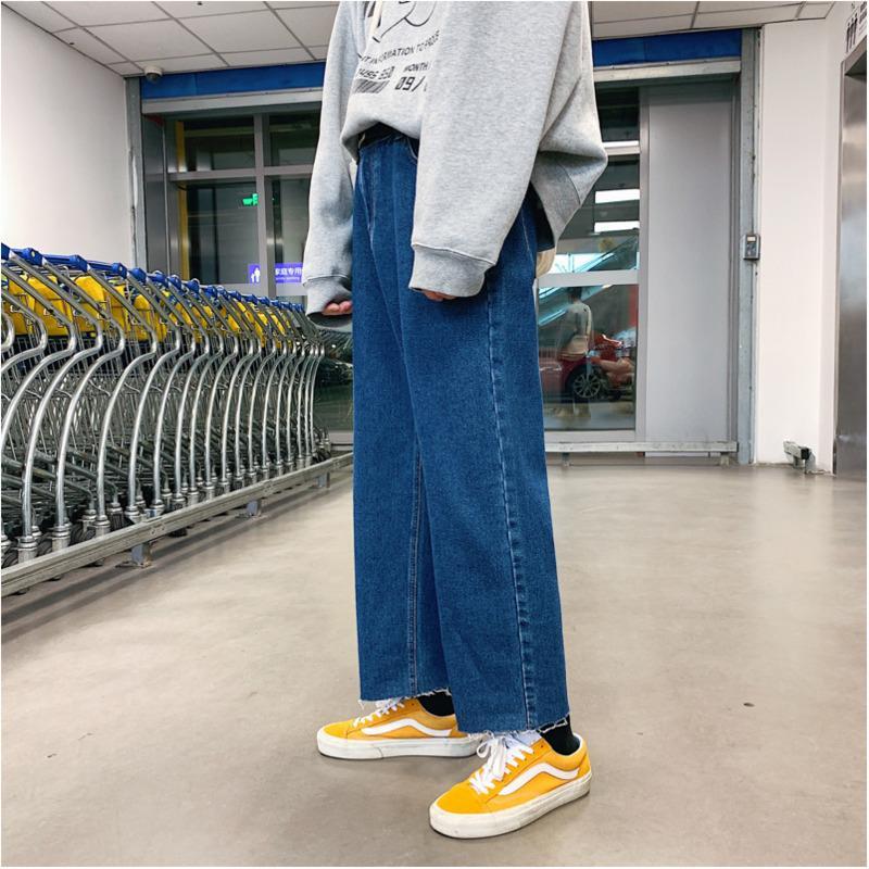 780c67ae5 Compre Pantalones Vaqueros De Los Hombres Primavera Estilo Hong Kong Nuevos  Hombres Versión Suelta Coreana Suelta De Los Pantalones Vaqueros De Gran ...