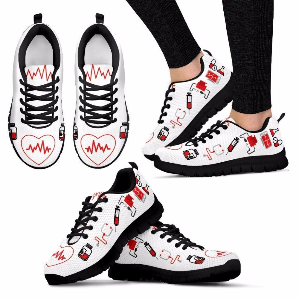 doginthehole Women Flats Shoes Fashion Design Nurse Heart Print Casual Women's Sneakers Female Footwear Comfortable Zapatos New