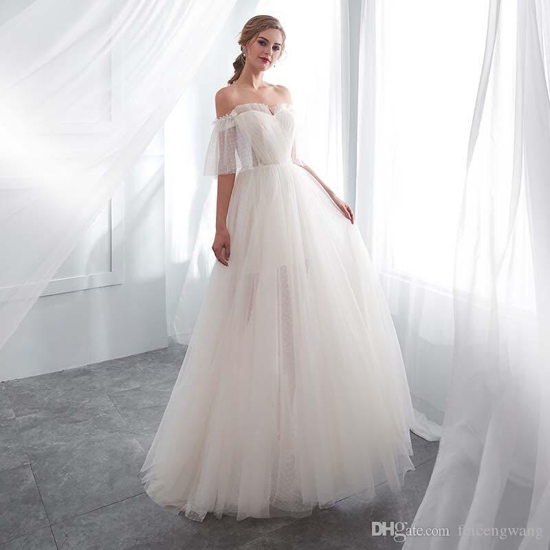 5a66245dec3 Acheter Robe De Mariée Blanche De Mariage Mariée 2019 Nouveau Mot Blanc  Épaule Tempérament Dames Robe De Danse Femme De  40.21 Du Feicengwang