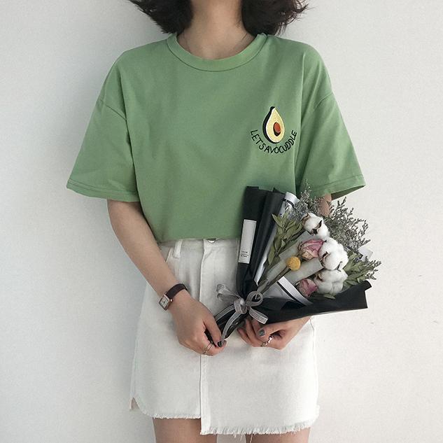 Compre 2019 Nuevo Estilo De Verano Lindo Bordado De Aguacate Manga Corta  Camiseta Para Mujer Pequeño Fresco Casual Tees Tops Mujer Camiseta A  29.83  Del ... 3b25c728f55fd