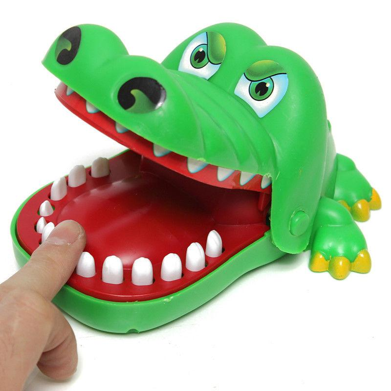 Wholesale-New Novelty Crocodile Mouth Dentist Bite Finger Game Kids Alligator Roulette Game Large Fun Gift! B11