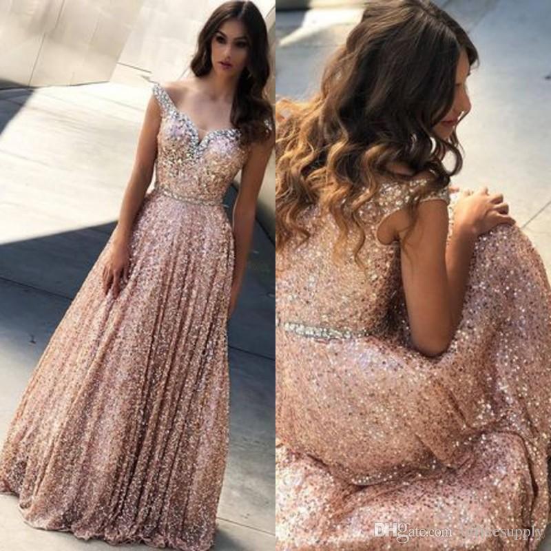 e7602f2d09ff5 Or rose paillettes sur l épaule une ligne longue robes de bal 2019 perles  longueur de plancher étage soirée formelle robe de soirée