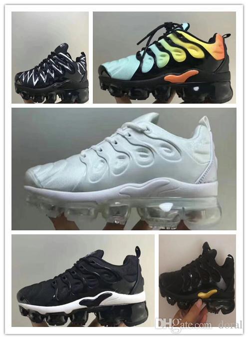 167a3e84304 Compre Novos Miúdos Plus Tn Crianças Pai Criança Sapatos Casuais Para O  Bebê Menino Menina Designer De Moda Sneakers Branco Correndo Ao Ar Livre  Trainer ...