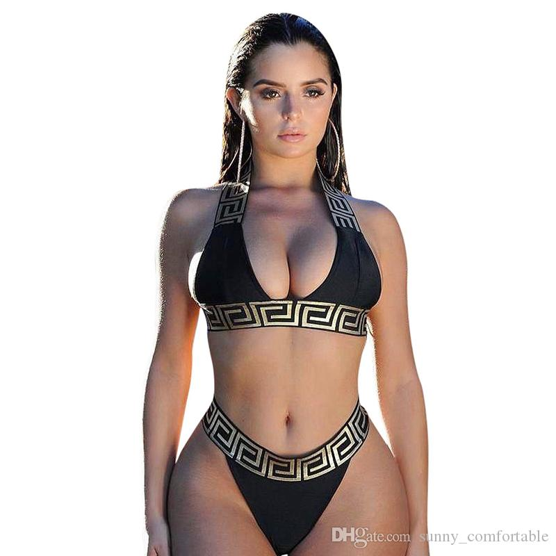 Donne calde di vendita Golden Lace Black Beach Set Sexy NeckBackless 2 pezzi Bikini Set per le vacanze