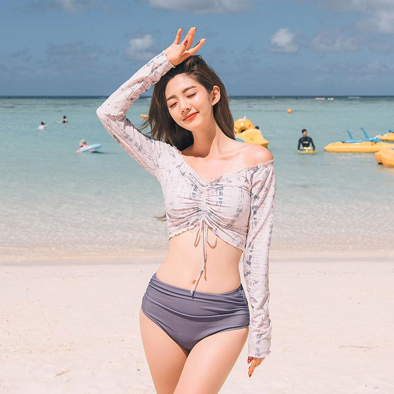 Korean new sexy split long sleeve swimsuit female conservative student girl slim foam hot spring swimsuit