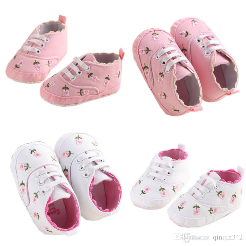 356946e29d3ca 0-18 Months First Walkers Toddler Kid Baby Girl Floral Embroidered Soft  Shoes For Newborn Walking Shoes