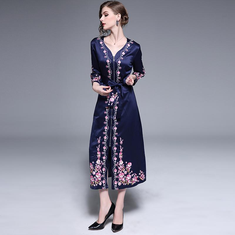 a317fa5c3d5bd6 2019 2019 Spring Women Vintage Flower Embroidery Tunic Trench Coat Satin  Zipper V Neck Long Maxi Coats Open Split Outerwear With Belt From Radishu