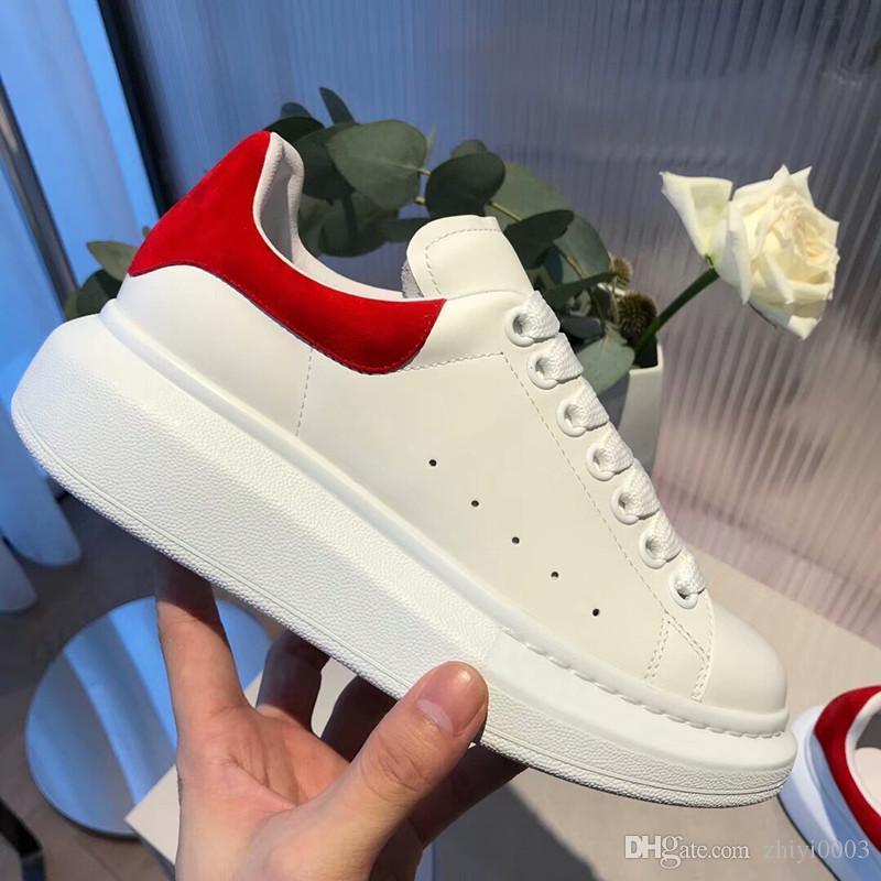 b553ec181dc Compre 2019 Novos Homens Sapatos Casuais Barato Melhor Qualidade Superior  Das Mulheres Dos Homens De Moda Sneakers Partido Running Shoes Veludo Tênis  ...